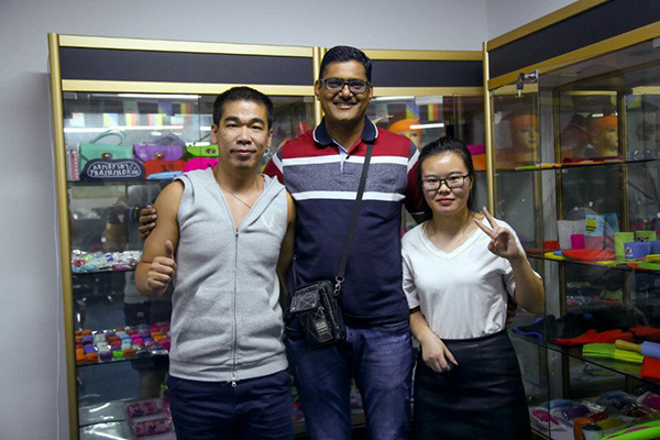 Manish Shah visits our company to know silicone car key cover1